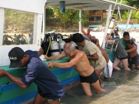 Grande marée, le bateau s'est enlisé