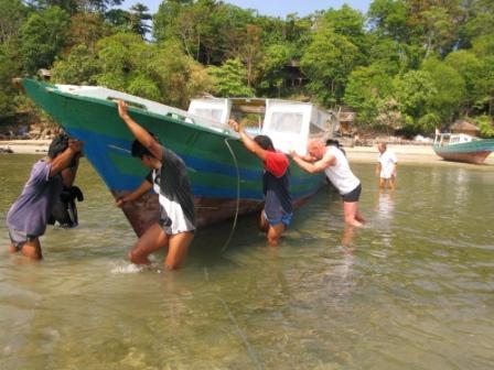 Pour plonger, il faut sortir le bateau