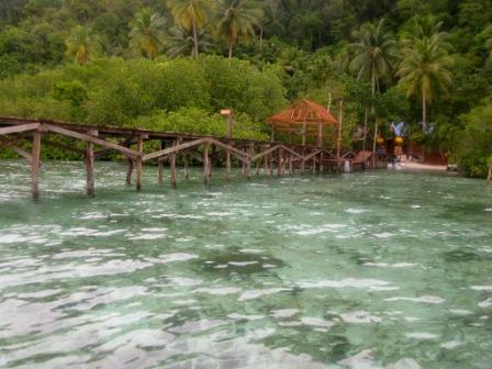 Le ponton du Raja Ampat Dive Lodge (Mansuar Island)